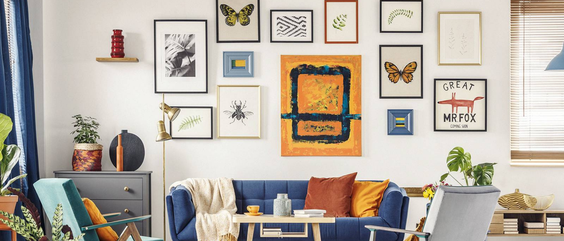 Wall with art pieces